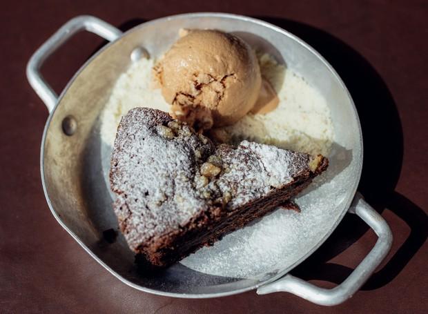 Receita de Brownie com nozes, da Santo Pão (Foto: Thays Bittar/Divulgação)
