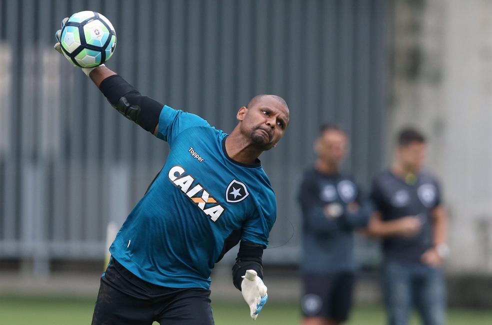 Jefferson foi assaltado antes do treino deste domingo (Foto: Satiro Sodré/SS Press/Botafogo)