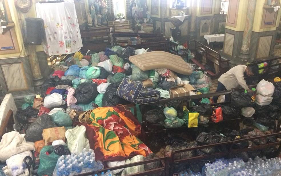 Igreja do Largo do Paissandu pede que doações sejam encaminhadas para abrigos (Foto: Kleber Tomaz/G1)