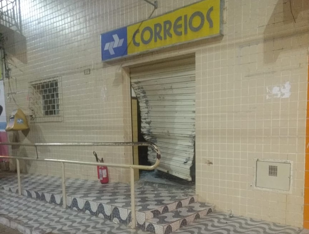 Agência dos Correios foi arrombada na madrugada desta quarta (4) em Pilões, interior do RN (Foto: Redes Sociais)