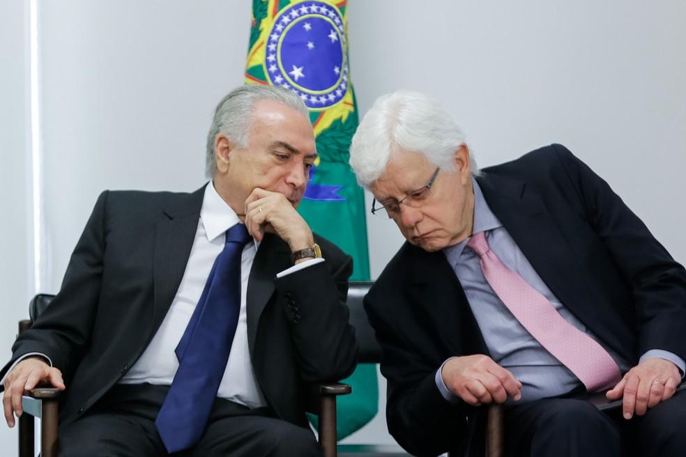 Michel Temer e Moreira Franco em dezembro de 2016 — Foto: Marcos Corrêa/PR
