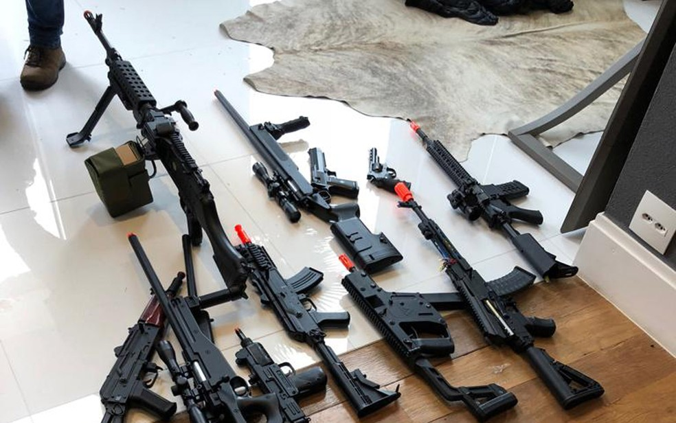 Armas de airsoft apreendidos em operação do Deic em São Paulo �- Foto: Divulgação/Deic