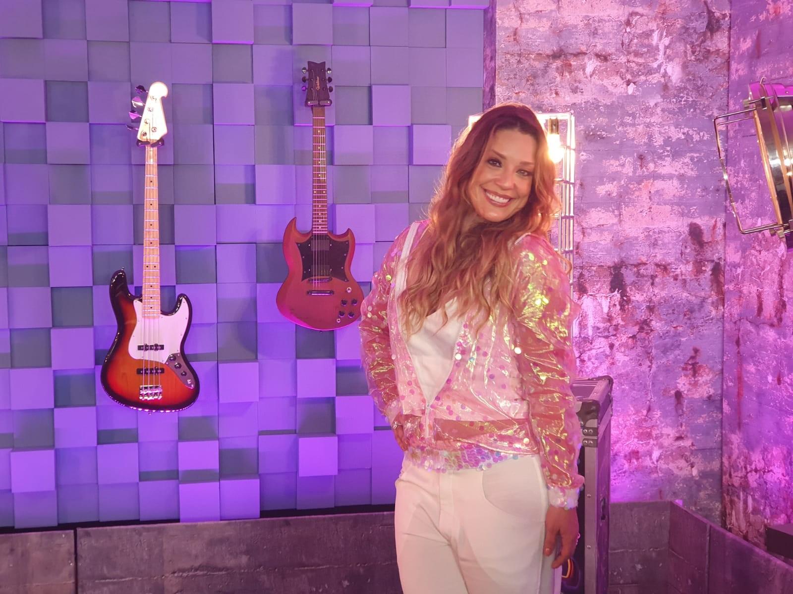 Helga Nemeczyk diz que quer levar empoderamento feminino ao palco do 'PopStar' - Notícias - Plantão Diário