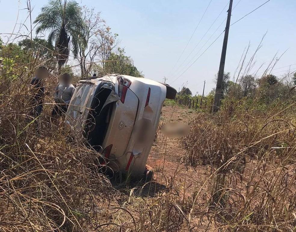 Outro carro envolvido no acidente para o qual os conselheiros ofereceram ajuda — Foto: Arquivo pessoal