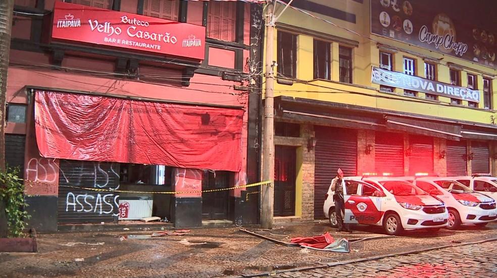 Bar foi alvo de vandalismo na noite de segunda-feira (10) — Foto: Reprodução/EPTV