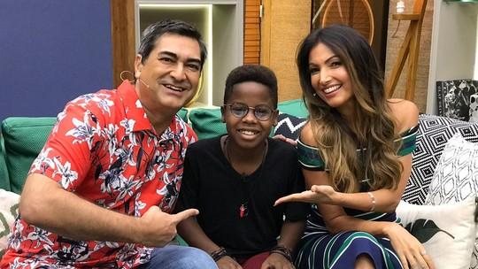 Campeão do 'The Voice Kids', Jeremias Reis encanta os fãs ao participar do 'É de Casa'