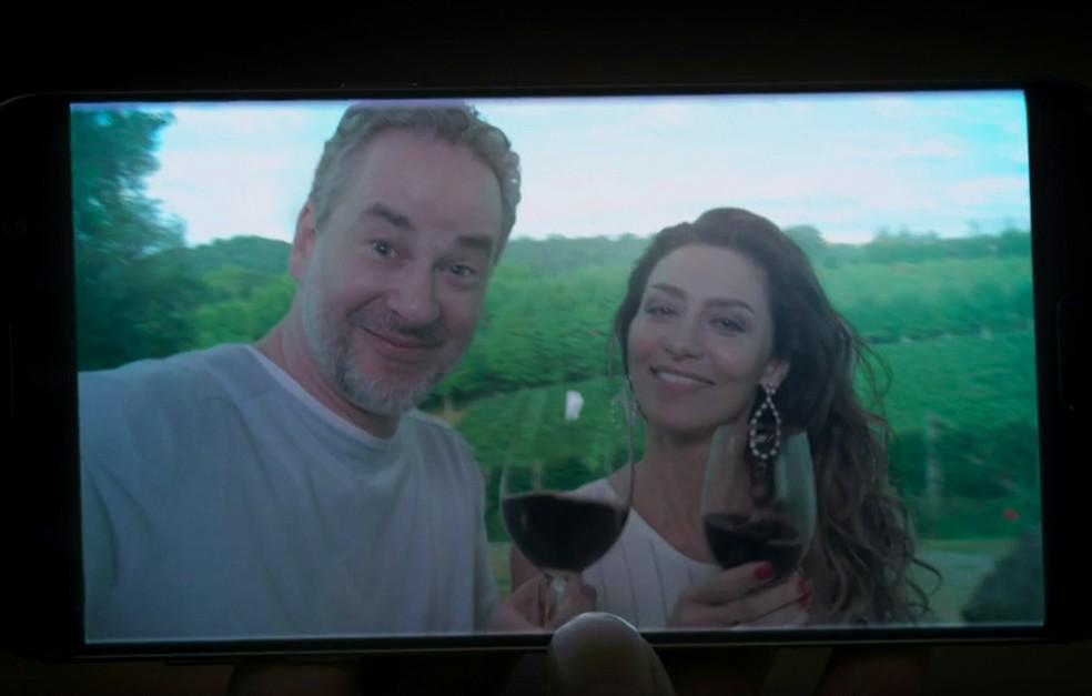 Em 'A Força do Querer', Eugênio (Dan Stulbach) e Joyce (Maria Fernanda Cândido) se reconciliam e curtem segunda lua de mel — Foto: Globo