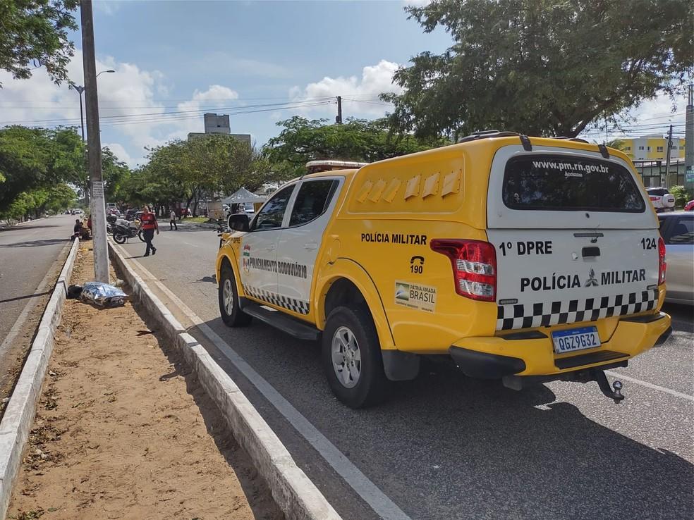Viatura do CPRE no acidente que vitimou homem de 24 anos próximo à Rota do Sol em Natal — Foto: Lucas Cortez/Inter TV Cabugi