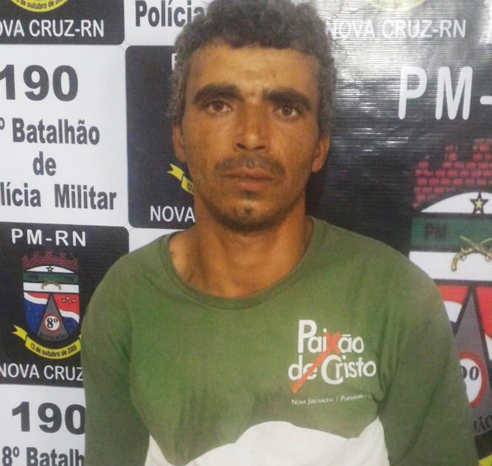 João Batista de Oliveira tem 28 anos, e segundo delegado confessou o crime — Foto: PM/Divulgação