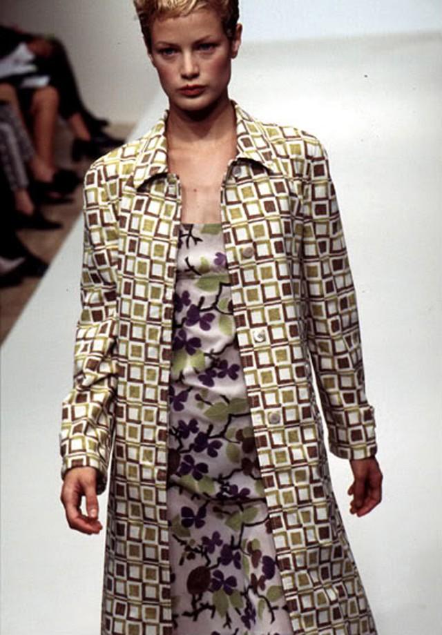 Prada verão 1996 (Foto: Reprodução/ Vogue)