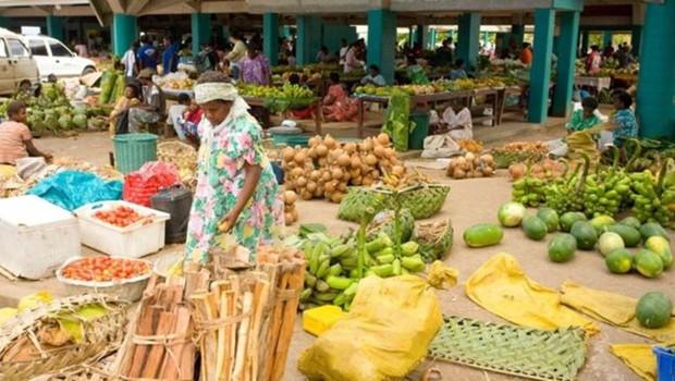 Em Vanuatu, os homens retiram os salários das mulheres (Foto: Getty Images/BBC)