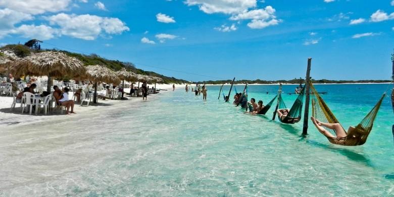 Praias e cidades de turismo no sul do Brasil são destinos procurados em Divinópolis para fim de ano e férias - Notícias - Plantão Diário