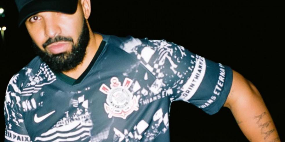 Drake com camisa do Corinthians — Foto: Reprodução/Instagram do artista