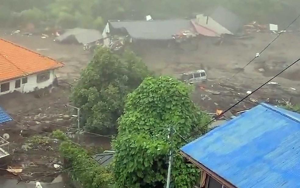 Deslizamento de terra na região de Shizuoka — Foto: JIJI PRESS / via AFP Photo