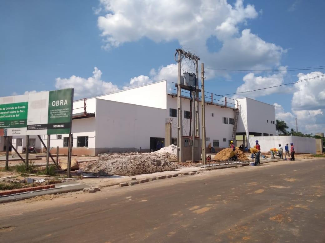 Com obra atrasada há 4 anos, governo promete entregar UPA em Cruzeiro do Sul até dezembro