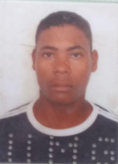 Jovem é morto a tiros às margens da MG-105 em Águas Formosas