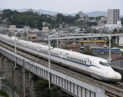 Japão estreia trem-bala mais rápido do mundo que resiste até a terremoto