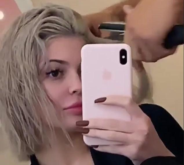 O novo visual da socialite Kylie Jenner (Foto: Instagram)