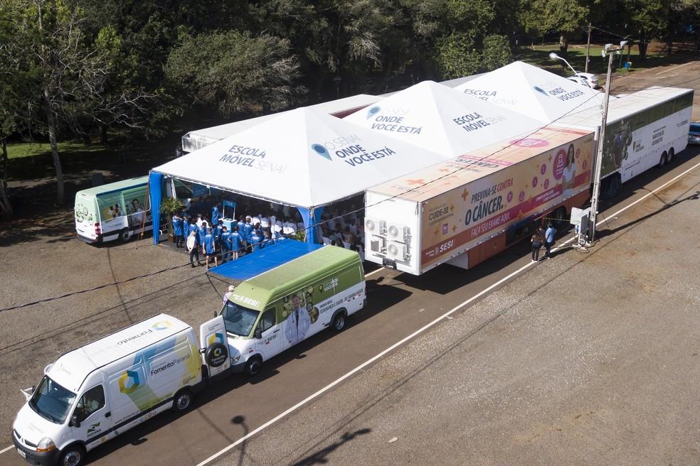 Até o início de junho, diversas localidades receberão unidades móveis do Sistema Fiep durante ações comemorativas do Mês da Indústria. Na foto, ação em Francisco Beltrão. — Foto: FIEP