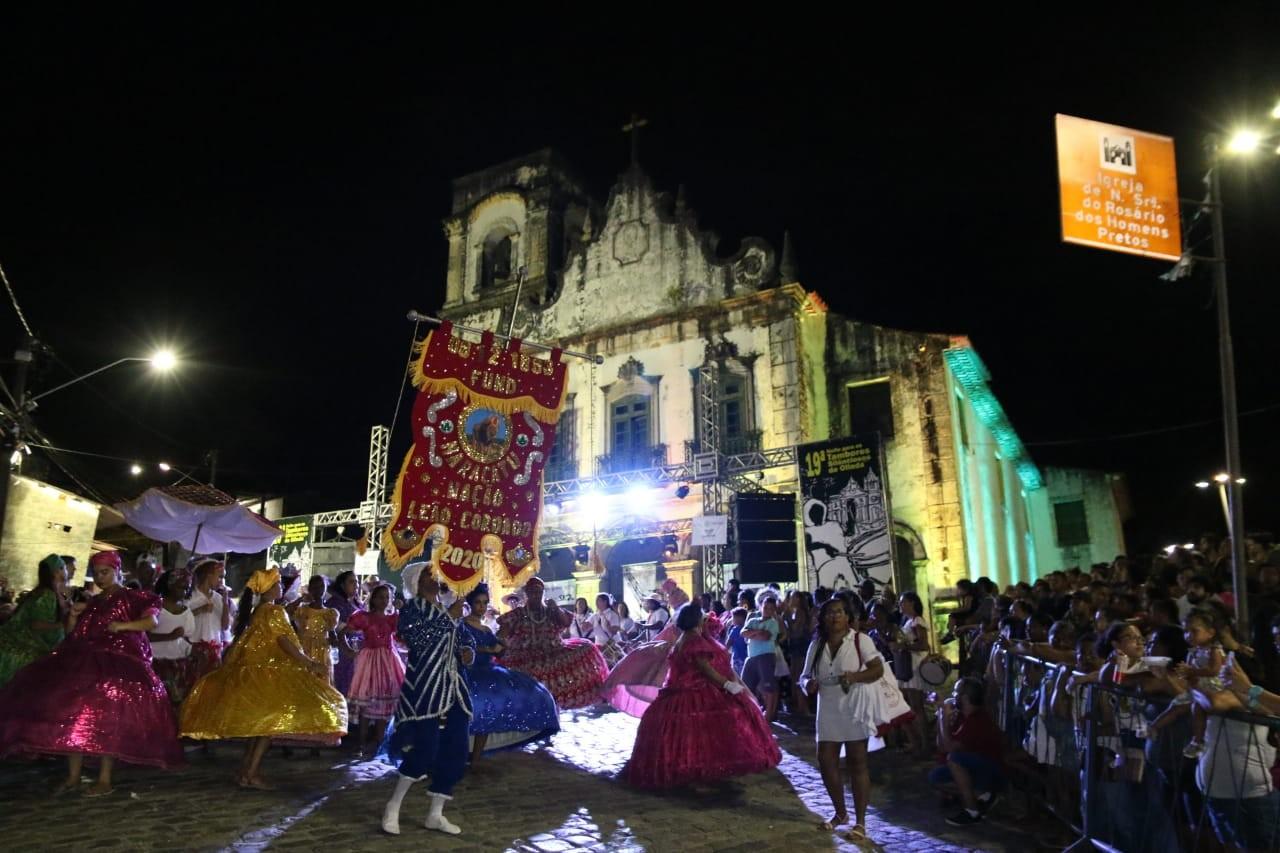 Cerimônia da Noite dos Tambores Silenciosos reverencia os ancestrais em Olinda