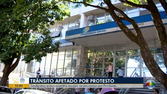 Ato contra as propostas de reforma da Previdência é realizado em Presidente Prudente