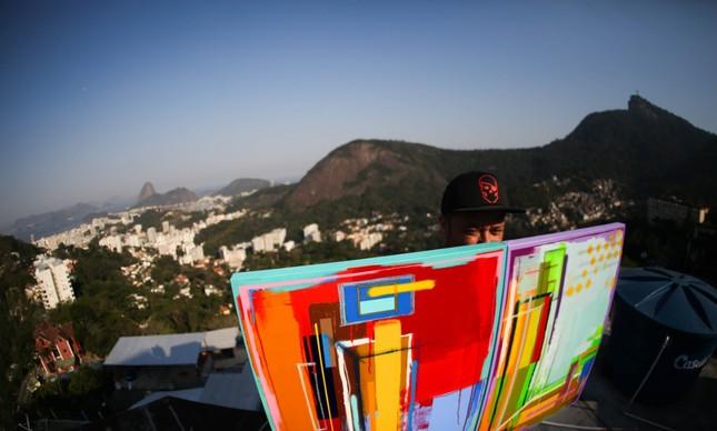 Para ajudar os artistas de rua, o projeto Revitaliza começará em Santa Teresa com o grafiteiro SWk
