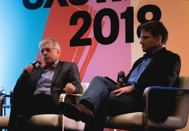 Antonio Campello, diretor de inovação corporativa da Embraer, e Mike Moore, diretor de engenharia de aviação da Uber  (Foto: Luis Fernando Martins)