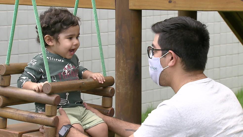 Andrey conta que tinha medo de perder a companheira e ter que cuidar dos filhos sozinho — Foto: Reprodução/TV Globo