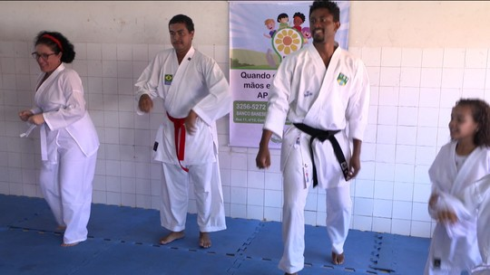Karatê vira ferramenta de inclusão para pessoas com deficiências em Aracajú
