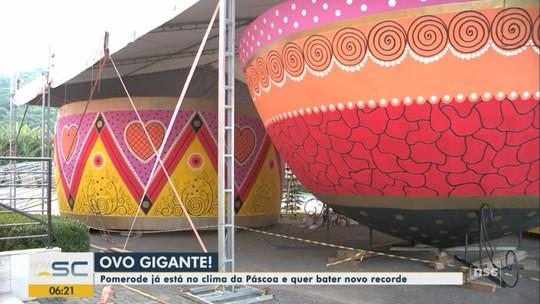 Depois da maior árvore, Pomerode tenta atingir novo recorde mundial com ovo decorado gigante de Páscoa
