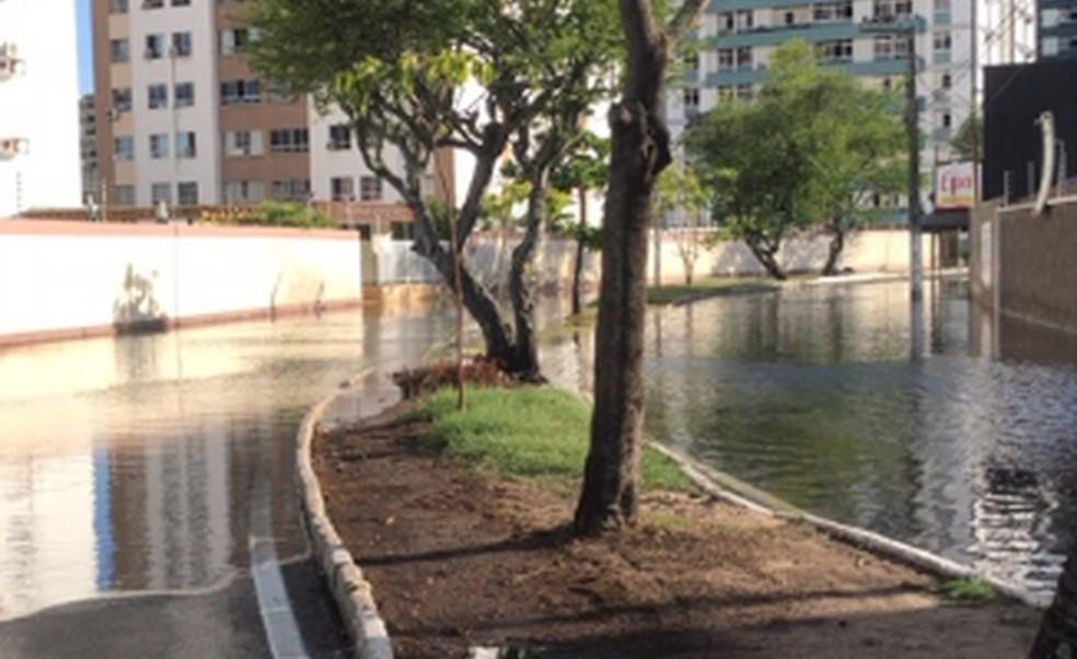 Maré alta provoca alagamento na Zona Sul de Aracaju  — Foto: SMTT/Aracaju