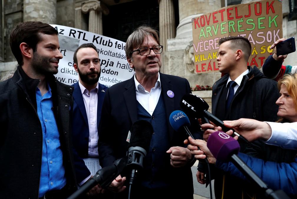 Guy Verhofstadt, presidente do ALDE&R, em coletiva de imprensa dias antes das eleições europeias — Foto: Bernadett Szabo/Reuters