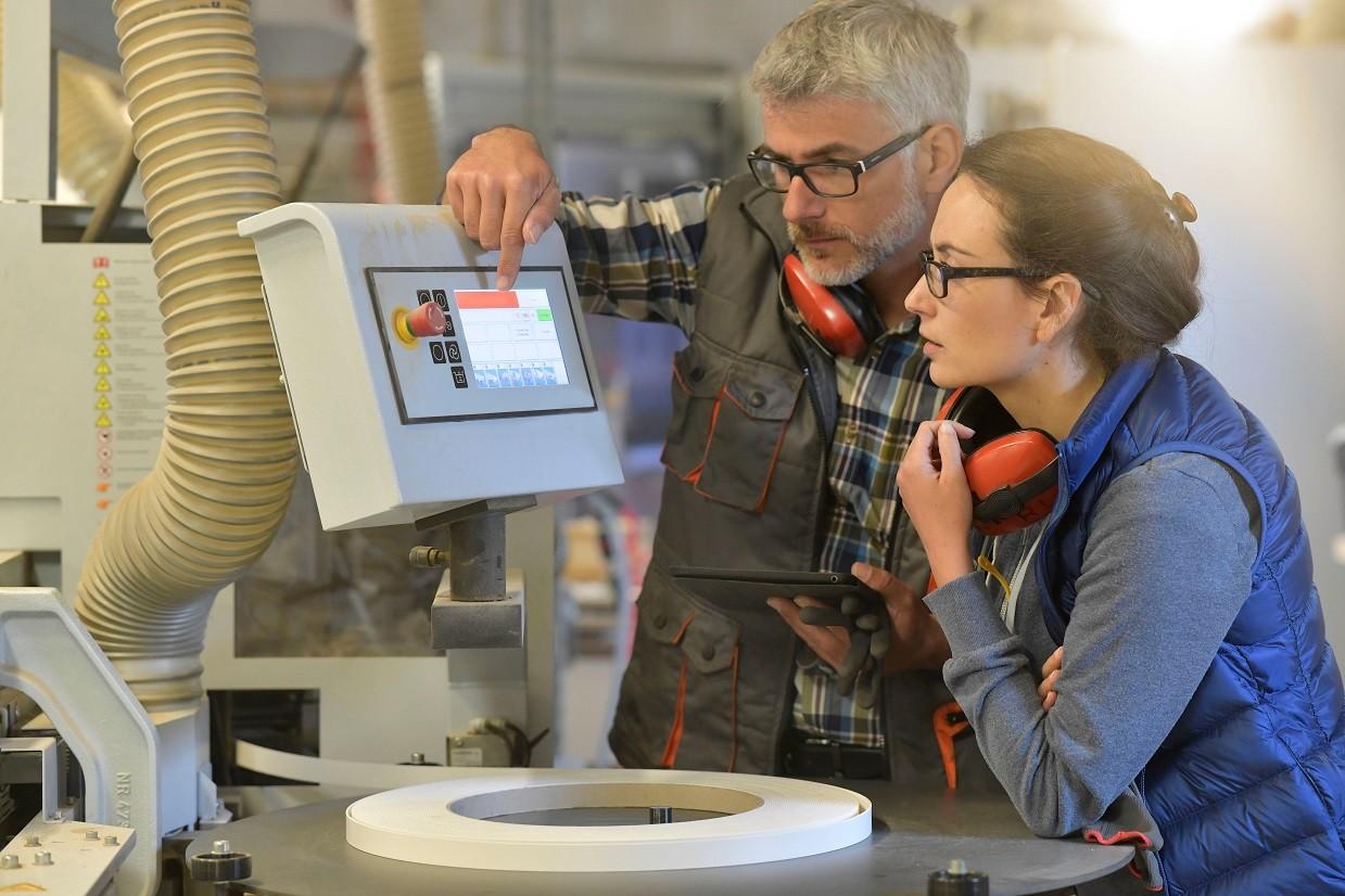Estágio na indústria é oportunidade para desenvolver habilidades - Notícias - Plantão Diário