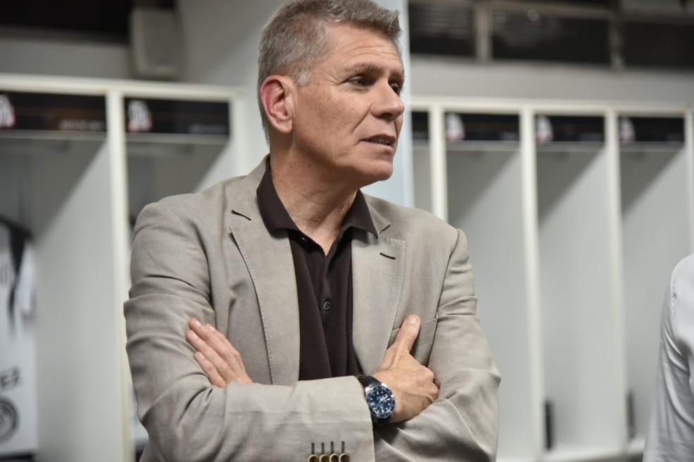 Paulo Autuori completa nesta quinta-feira um mês como diretor de futebol do Santos — Foto: Ivan Storti/Santos FC
