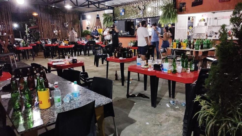 Operação foi realizada em bares e restaurantes de Palmas — Foto: Divulgação/Vigilância Sanitária