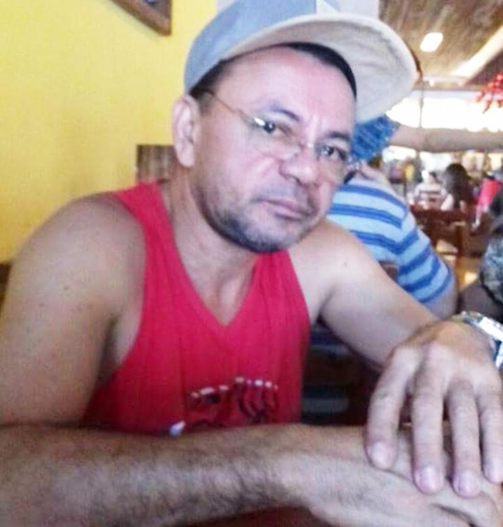 Lourenço Salvino da Silva, de 51 anos, é dono de uma empresa de bombas de água no bairro da Ribeira, em Natal (Foto: Arquivo da Família)