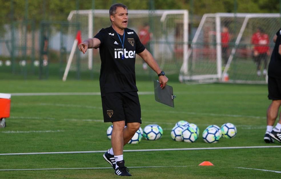 Diego Aguirre comanda treino do São Paulo nesta segunda-feira (Foto: Rubens Chiri/saopaulofc.net)