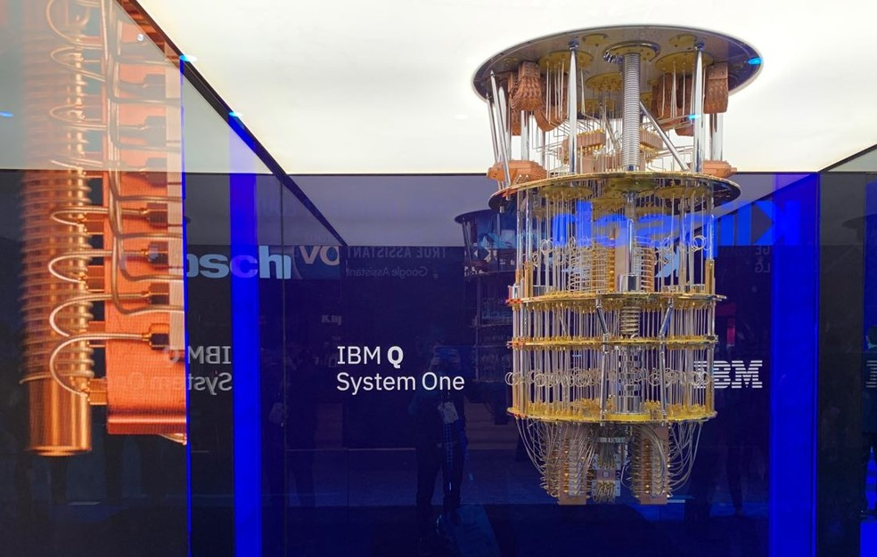 O 'Lustre', como é chamado informalmente o computador quântico, não é vendido pela empresa, apenas sua capacidade de processamento. — Foto: Thiago Lavado/G1