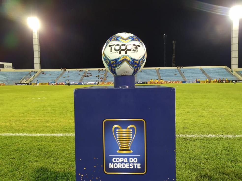Bola da Copa do Nordeste — Foto: Vagner Grigorio/Imperatriz