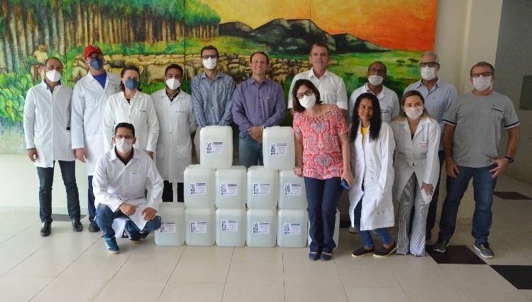 UFRR doa 240 litros de álcool em gel para o sistema prisional