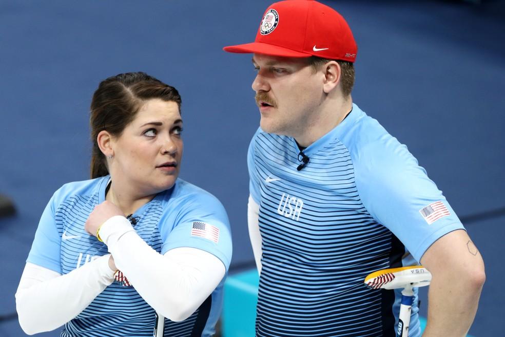 Matt e Becca Hamilton pelo Curling (Foto: Maddie Meyer / Equipa)