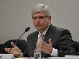 Ricardo Janot, novo procurador-geral da República, sendo sabatinado em comissão do Senado (Foto: Wilson Dias/ ABr)