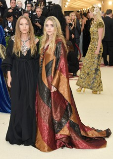 Mary-Kate Olsen e Ashley Olsen