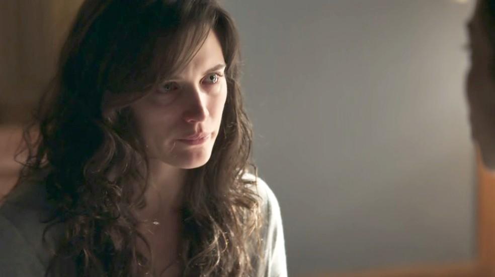 Clara passa por avaliação psiquiátrica (Foto: Tv Globo)