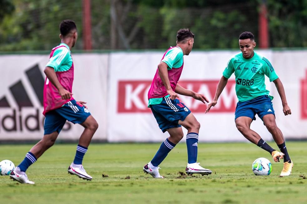 Lázaro Flamengo — Foto: Marcelo Cortes / Flamengo
