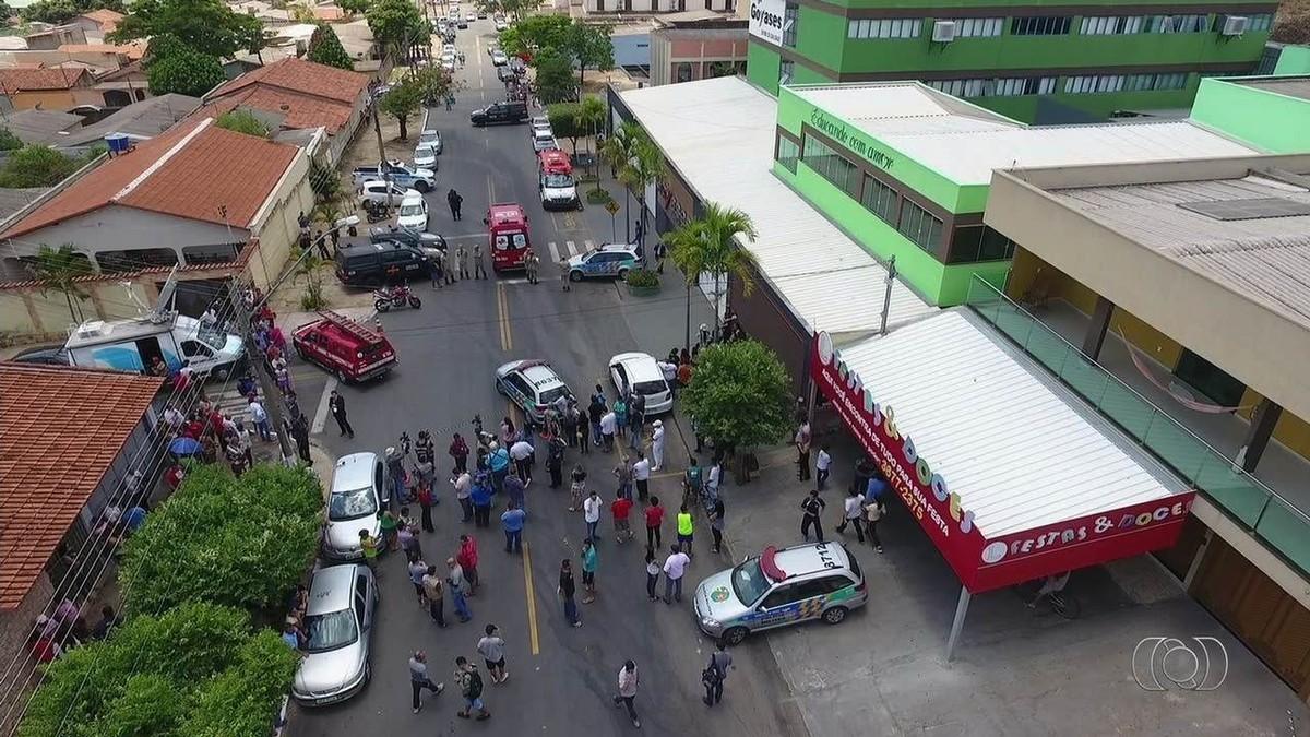 Aluno que morreu após tiros em escola de Goiânia era amigo de autor, dizem colegas