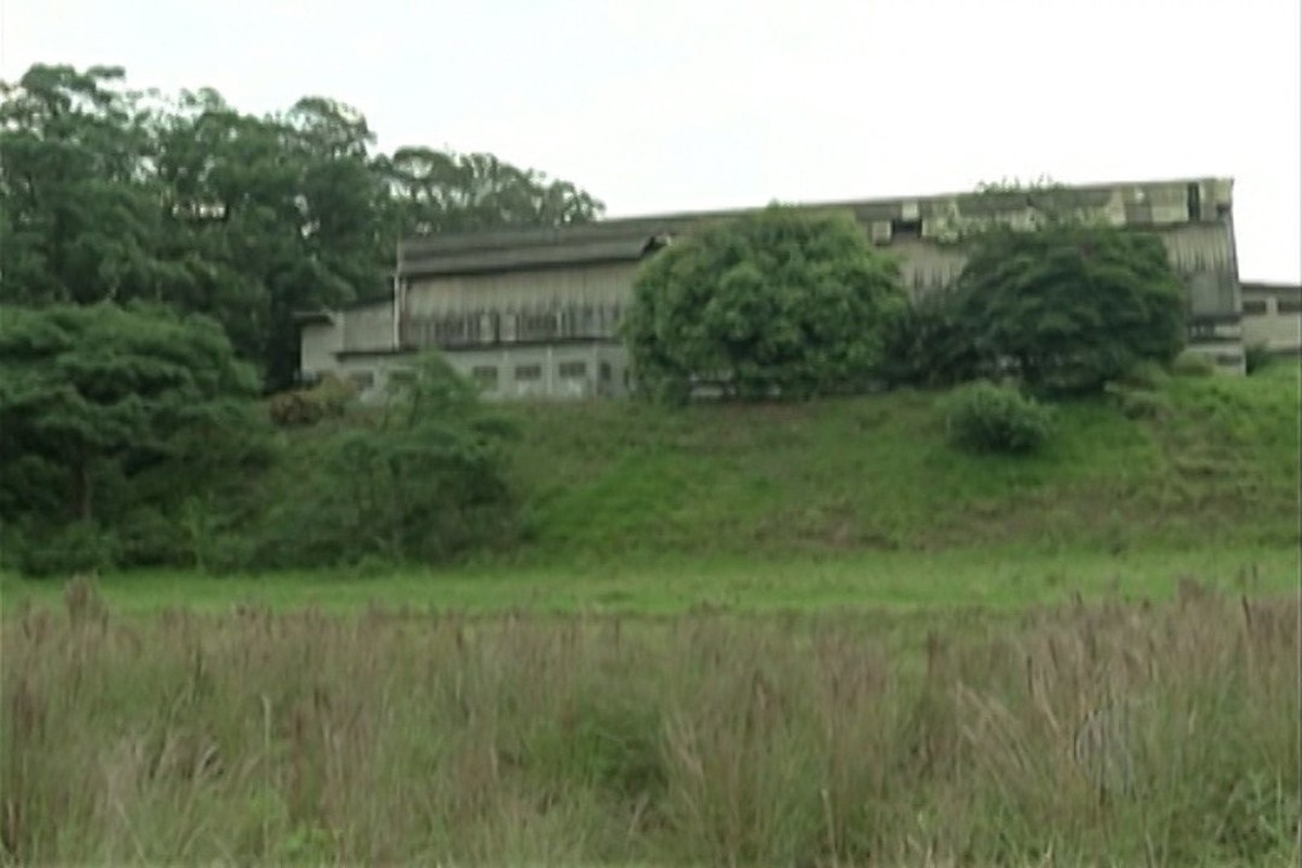 Polícia identifica primeira vítima enterrada em cemitério clandestino usado por 'tribunal do crime' em Ferraz de Vasconcelos