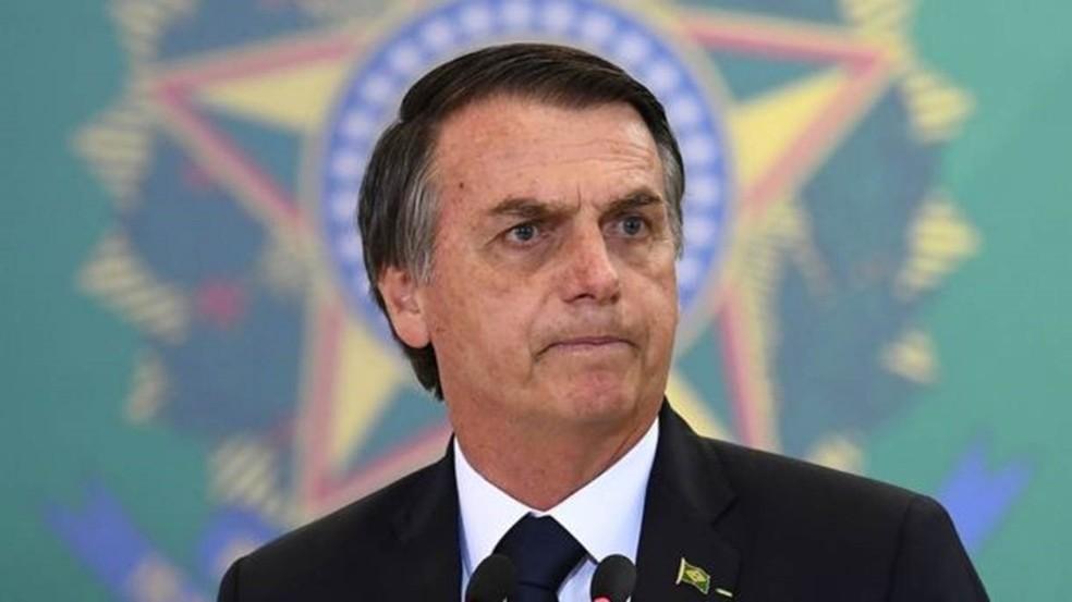 Governo Bolsonaro precisará decidir neste ano como vai reajustar salário mínimo a partir de 2020 — Foto: EVARISTO SA/AFP/GETTY IMAGES
