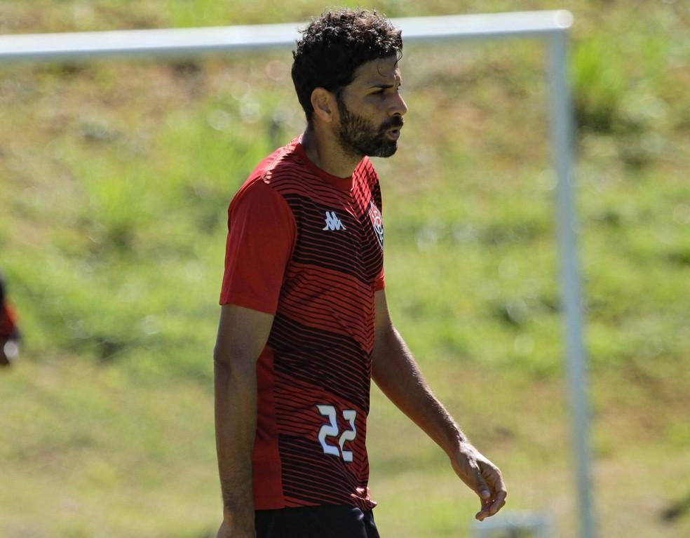 Gerson Magrão foi punido com quatro jogos de suspensão — Foto: Letícia Martins / Divulgação / EC Vitória