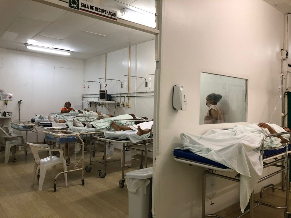 Imagens mostram superlotação de maternidade no Piauí  (Foto: G1 PI)